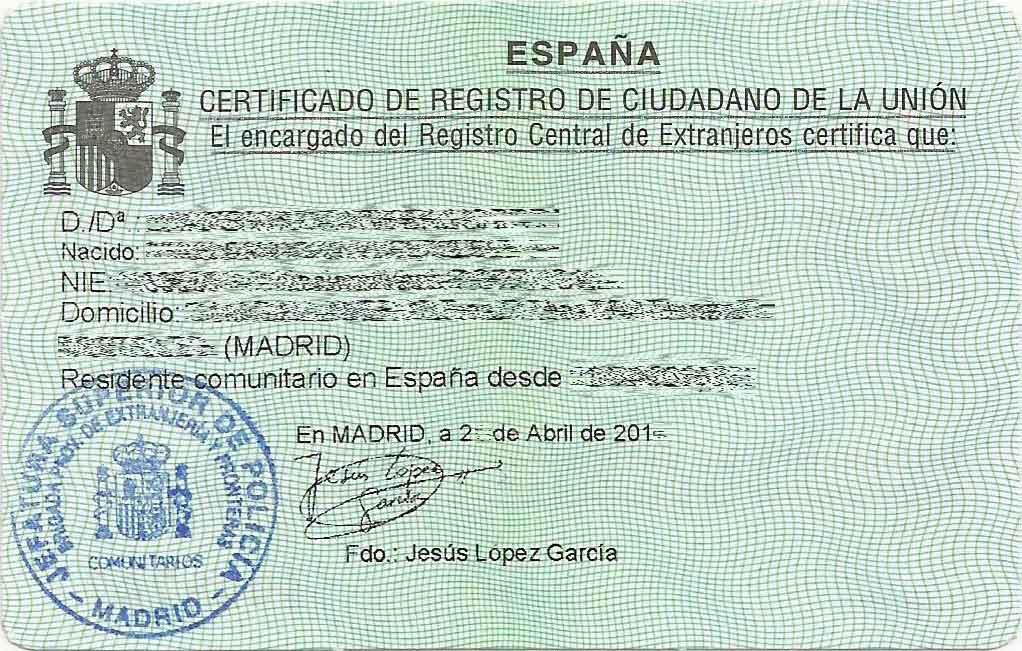 Residir legalmente en España: Certificado de Residencia de Ciudadano de la Unión.