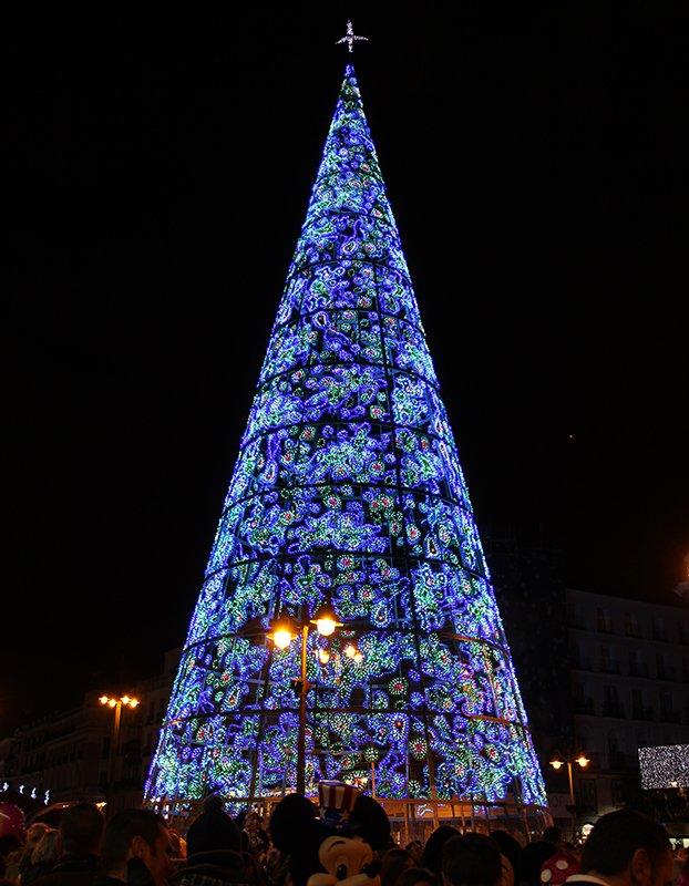 Navidad en Madrid: árbol de navidad de la Puerta del Sol.