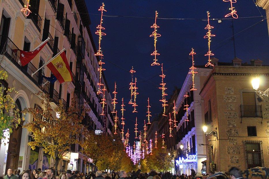 Navidad en Madrid: Calle Arenal.