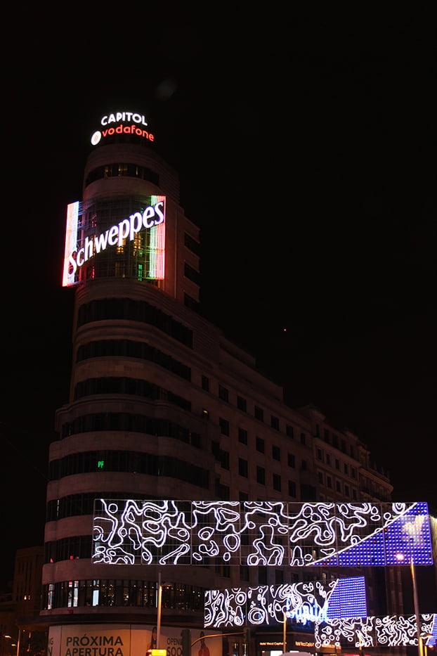 Navidad en Madrid: Edificio Capitol (Schweppes).