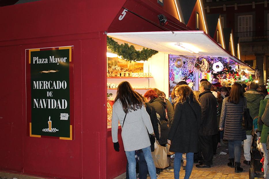 Navidad en Madrid: mercadillo de Plaza Mayor.