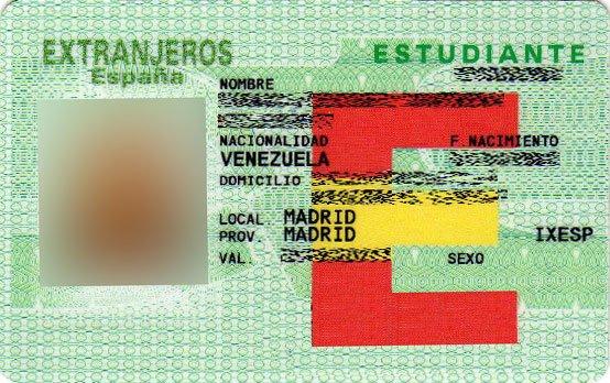 Residir legalmente en España: Tarjeta de Residencia de Estudiante.