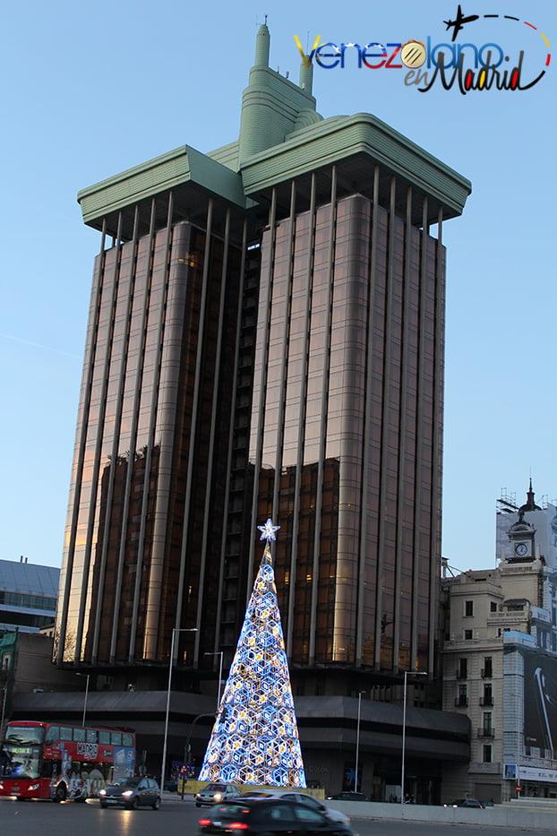 Navidad en Madrid: Torres de Colón.